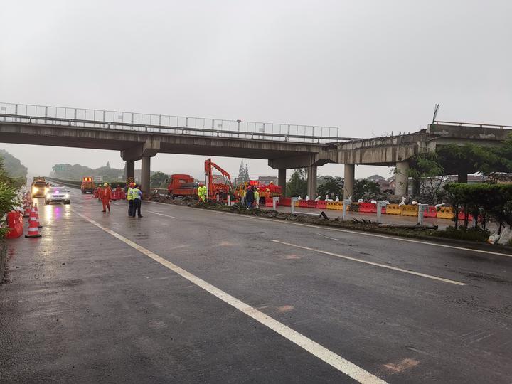 因事故断流的甬金高速嵊州段恢复通行