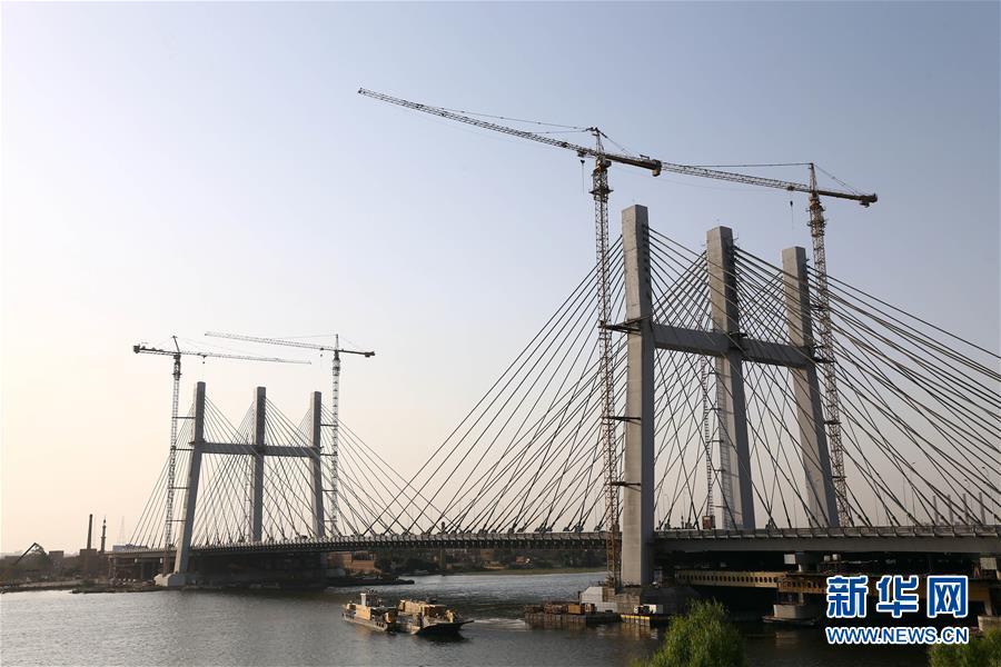 埃及落成世界最宽斜拉桥 创吉尼?#25925;?#30028;纪录