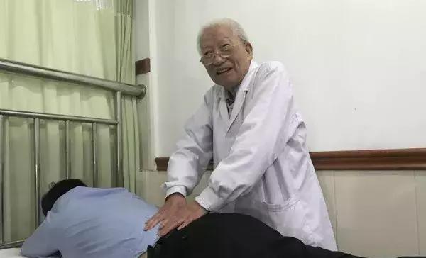宁波83岁老医生仍奋战一线,57年没有一起医疗事故!