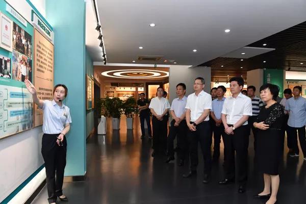 省领导赴杭参观省法纪教育基地