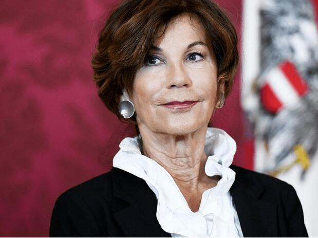 奥地利历史上首位女总理产生 现年70岁