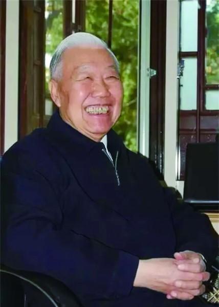 王学珍:一颗爱国心,毕生教育情