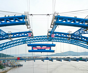 新江南大桥钢管拱完成合龙