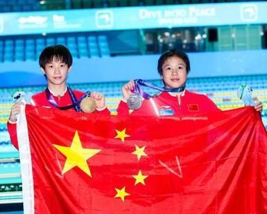 中国跳水小将稳夺女子10米台1金1银
