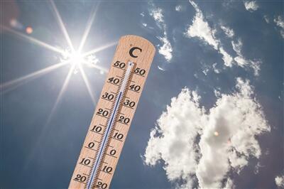 小伙户外作业8小时重症中暑 谨防热射病
