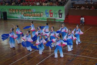 第八届全县广场舞大赛举行