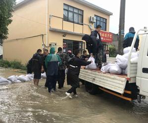 岛城全城行动 全力排涝抗灾