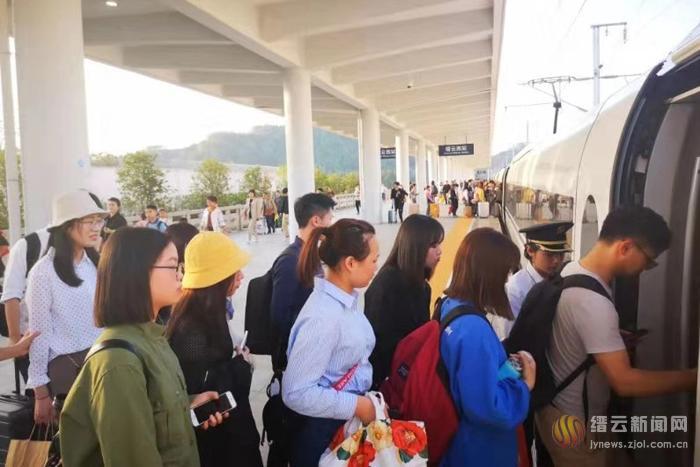 科学有序战胜台风 缙云西站逐步恢复列车运行