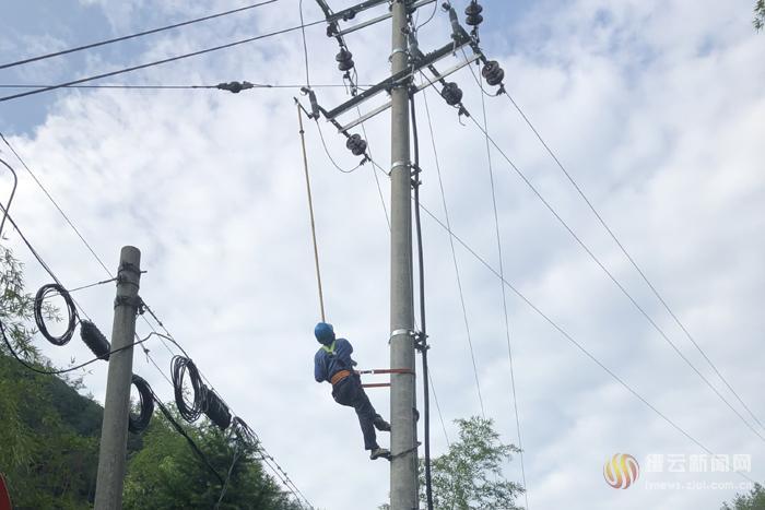 他们奋战39小时 辖区全部恢复供电