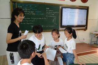 连续12年 浙江大学城市学院志愿者到月山村支教
