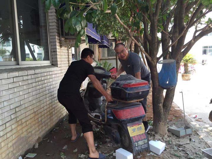 臺風天 溫州醫生半小時轉移72名病人 父親留在最后…