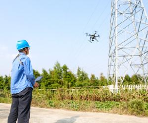 岱山电力首次启用无人机巡线
