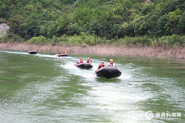 水上联合演练 提升救援能力