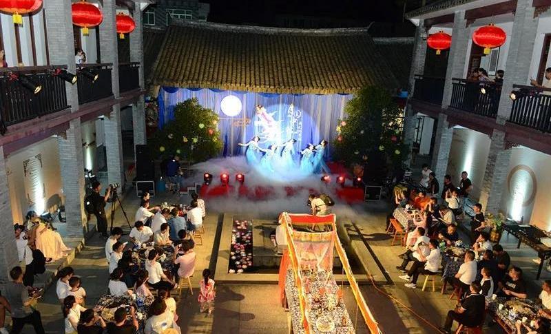"""浙江温州:""""月圆中秋"""" 情系鹿城"""