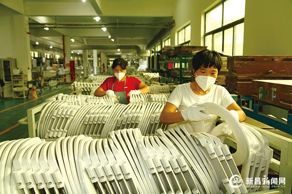 出口订单多 企业生产忙