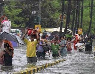 印度暴雨致至少86人丧生 几所医院被洪水淹没