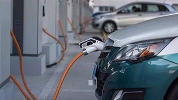 新能源车冒烟起火要在12小时内上报