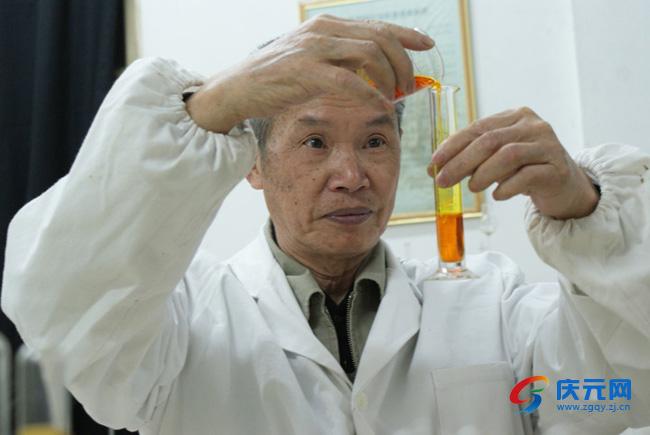 吴克甸:手上把技术 心中装菇农