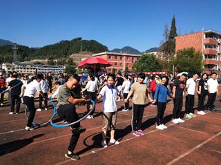 县第四届全民运动会趣味赛举行