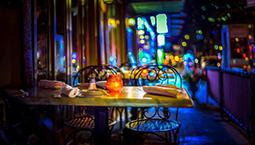 """書店、駐唱、畫師…… 文化元素讓夜經濟更""""潮"""""""