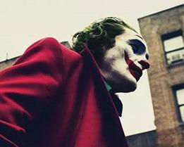 惊悚片《小丑》重回北美周末票房榜榜首