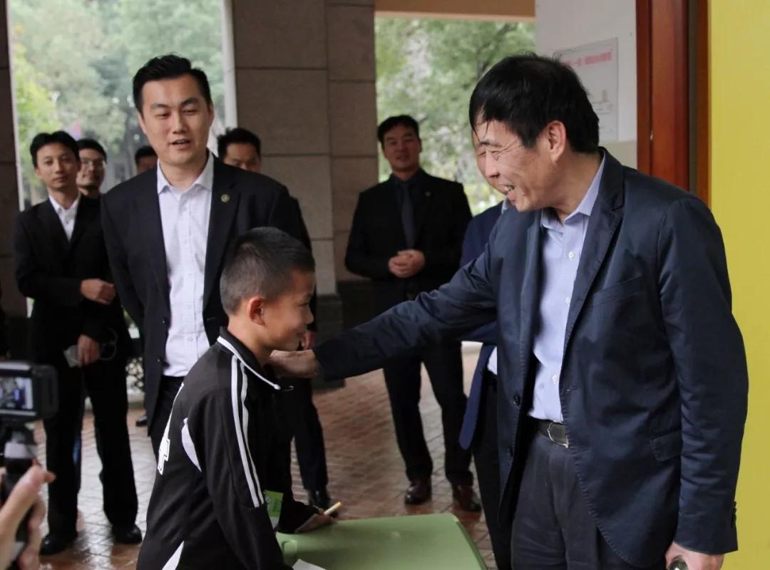 中国足协主席陈戌源在杭州考察调研