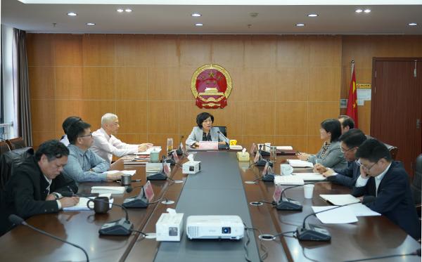 市人大常委会党组召开对照党章党规找差距专题会议
