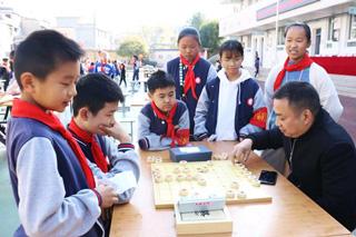 """象棋文化在大济小学""""生根发芽"""""""