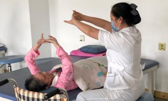 讓老人活得體面 失能失智老人養老困局如何解?
