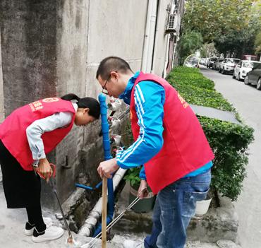"""县工商联针对""""一号网格""""环境顽疾采取了有效保洁举措"""