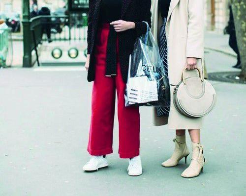 阔腿裤+短靴,走路带风时髦在线