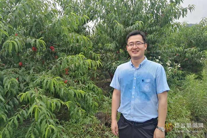 王华艺:从央企员工到驻村扶贫干部的角色转换