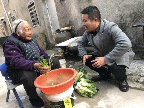 """宁波325户村民联名写信挽留""""跨村书记"""""""