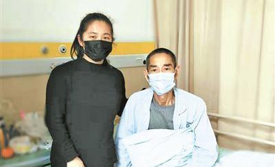"""""""我的生命是爸爸給的"""" 寧波90后兩姐妹爭著捐肝救父"""