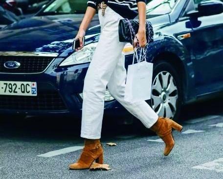 棕色短靴,打造温暖复古的冬天