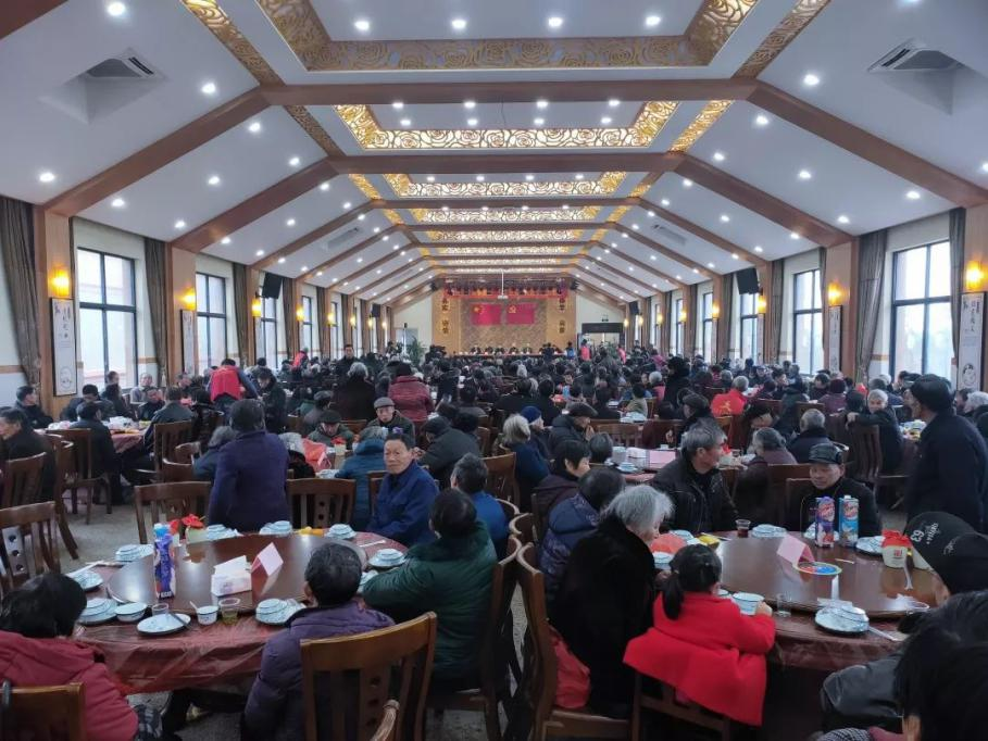 桐乡:乡贤宴请近400名老人
