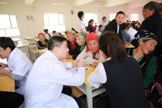 """千里送溫暖 來看這些杭州醫生的""""阿克蘇情"""""""