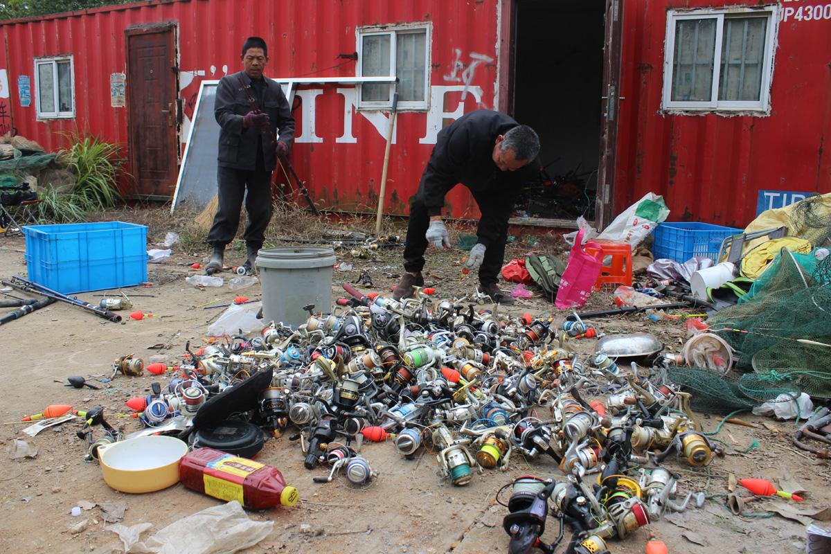 玉环经济开发区开展违规网具、渔具进行公开清理