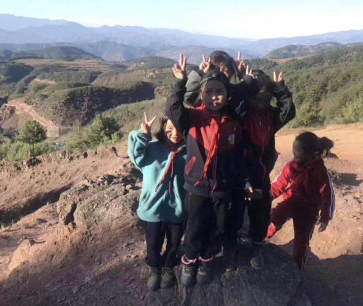 暖心!杭州外卖小哥给大凉山140个孩子买冬衣