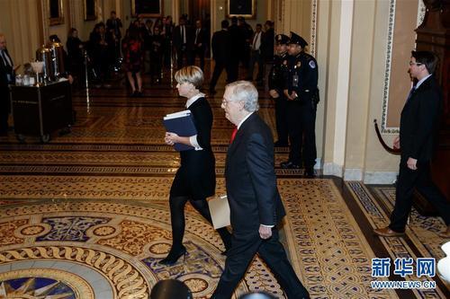 美国会参议院开始正式审理特朗普弹劾案