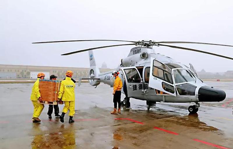 """万丰机场开通救援物资""""生命通道"""""""