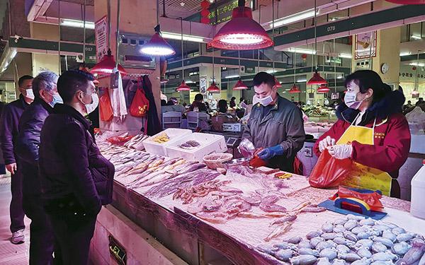 [临海]渔船复工 市场海鲜日渐丰富