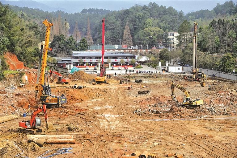 市中医医院迁建项目建设现场