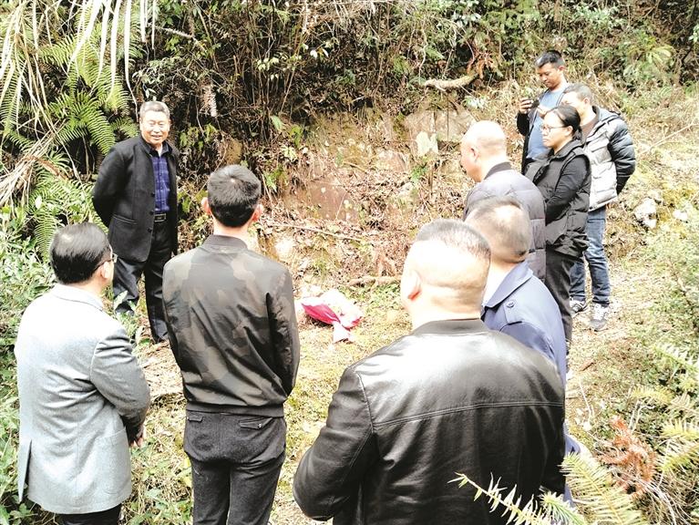 吴永丰:半个多世纪 守护红军墓