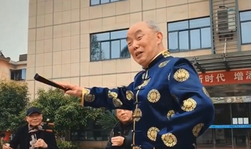 平均年齡75歲 這群老人用唱婺劇提倡使用公筷公勺