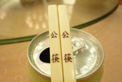 公勺公筷擺上農家樂餐桌 婺城鄉村游復蘇不忘倡導好習慣