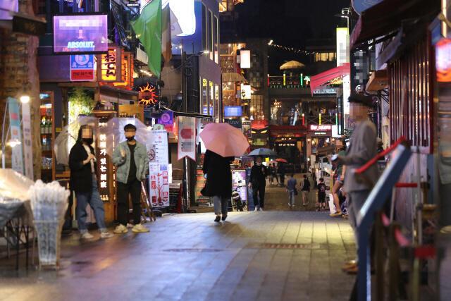 韩国夜店集体感染致131人确诊 拒检测要罚200万韩元