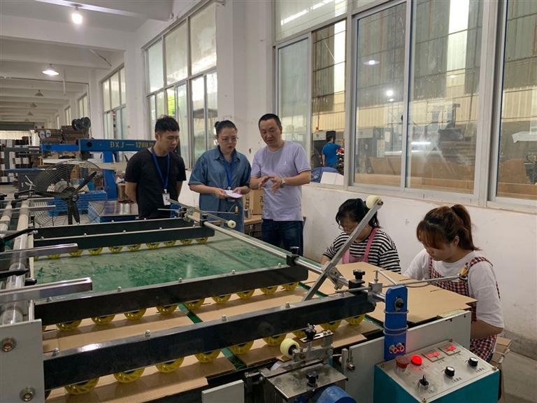 浙江龙泉经济开发区工作人员走访浙江森然工贸有限公司