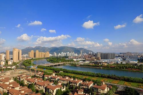 黃巖:文明潤城城更美