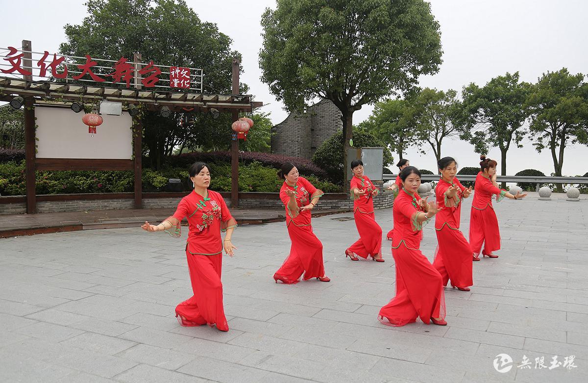 大麦屿:动感广场舞 健身又快乐